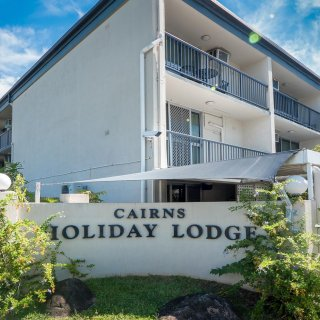 Cairns Holiday Lodge 104